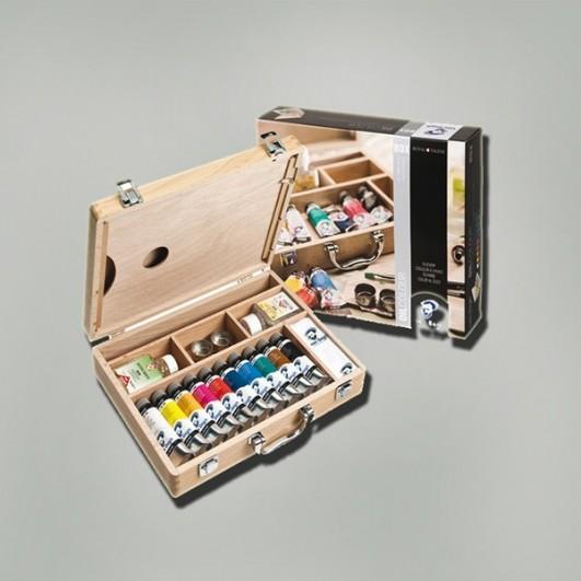 Caja de madera  con surtido de oleos...